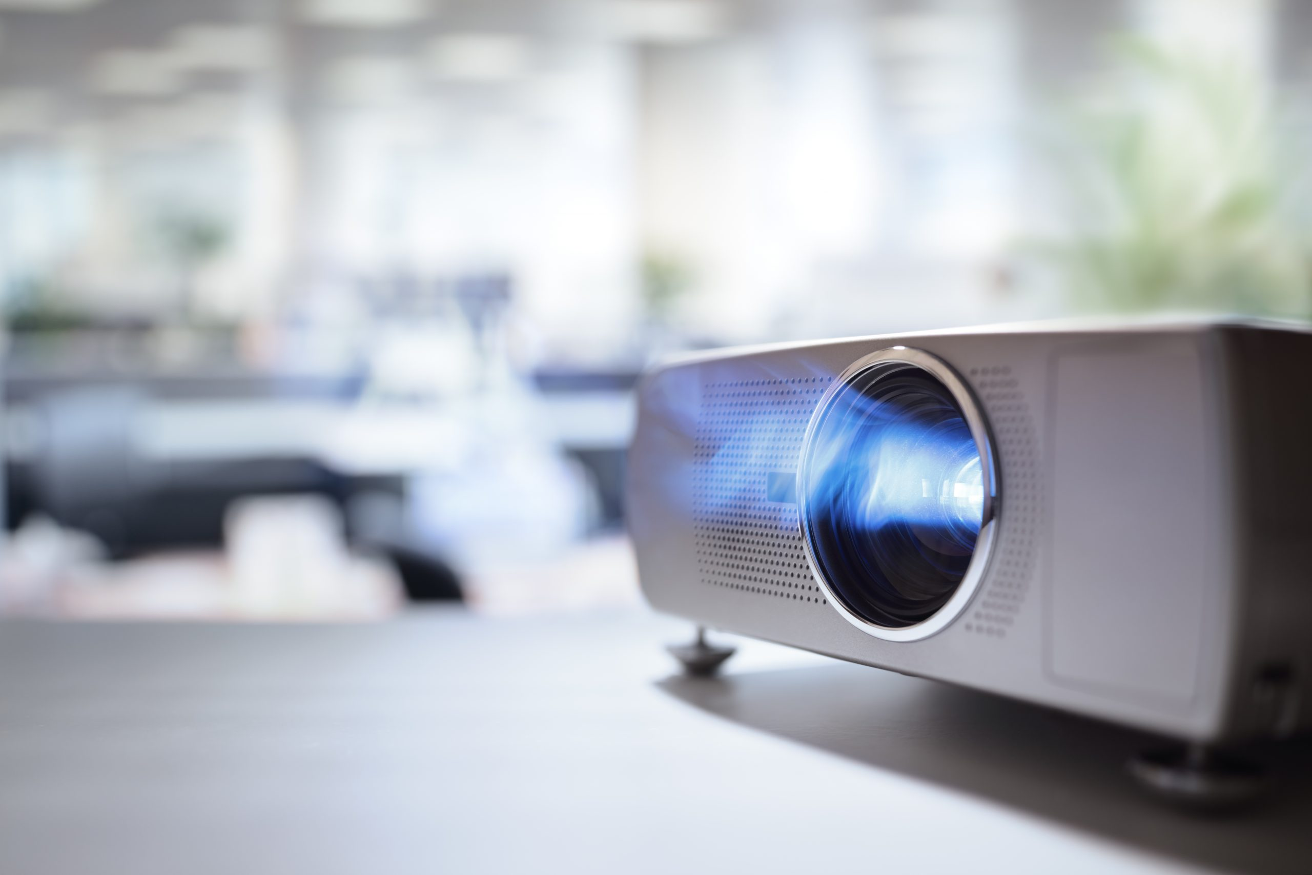 Lcd,Video,Projector,At,Business,Conference,Or,Lecture,In,Office